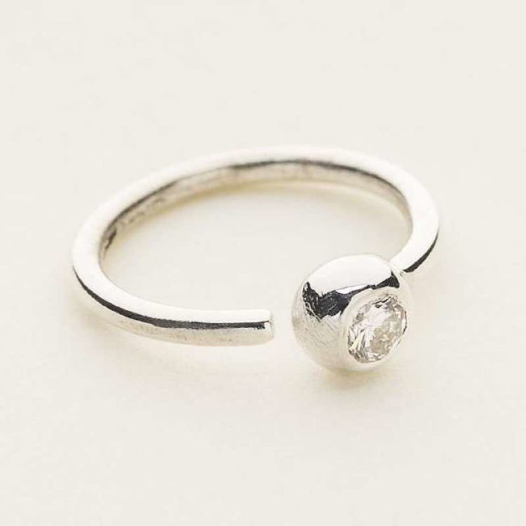 Mini hoop 1 diamond