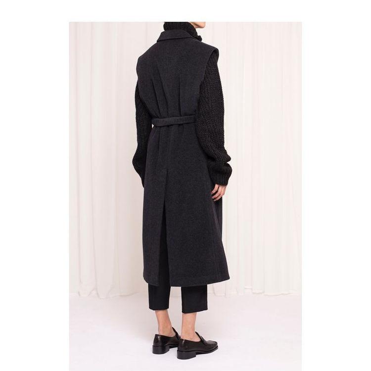 Vest wool w. belt