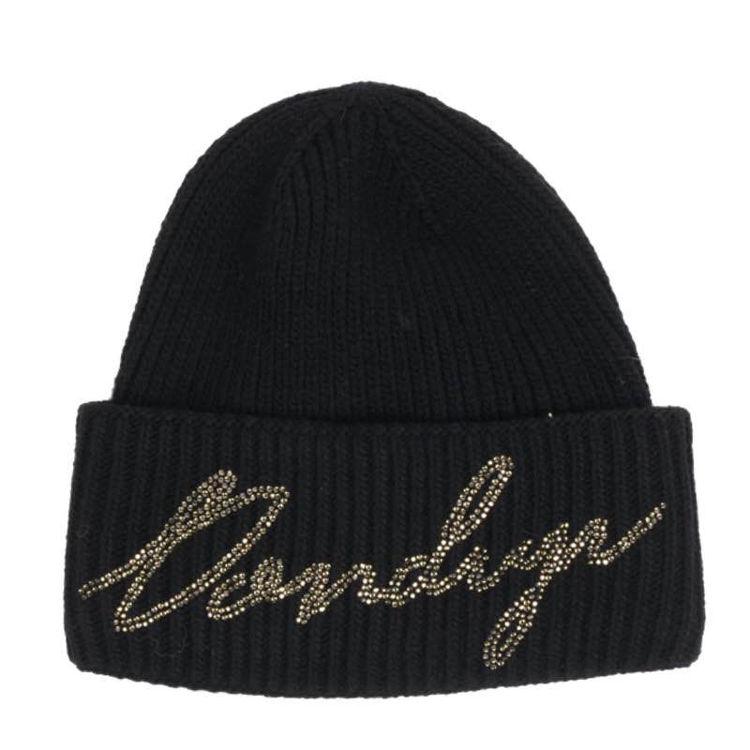 hat med logo